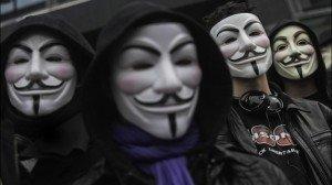 Manifestazione degli anonimi a Parigi