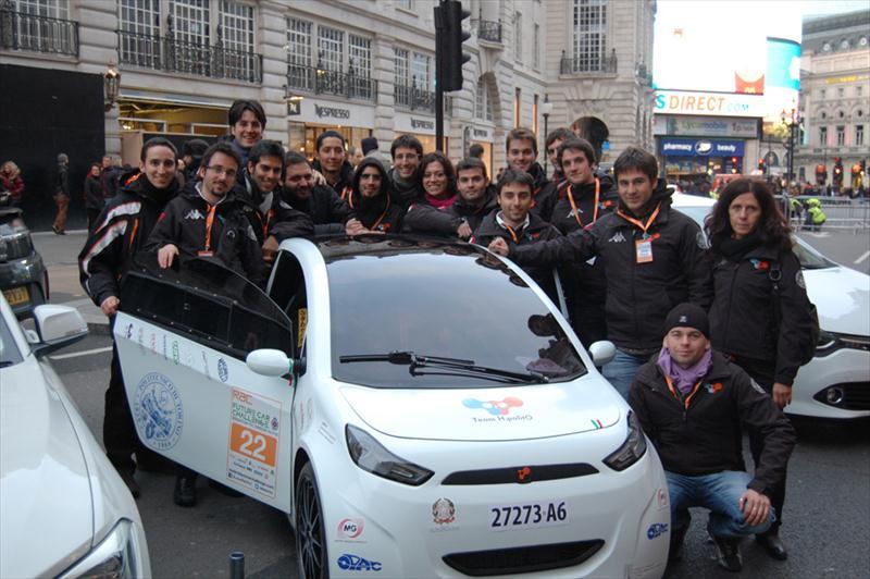 XAM 2.0: i ragazzi del politecnico di Torino vincono Future Car Challenge
