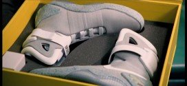 Ritorno al Futuro: arrivano le scarpe che si allacciano da sole!